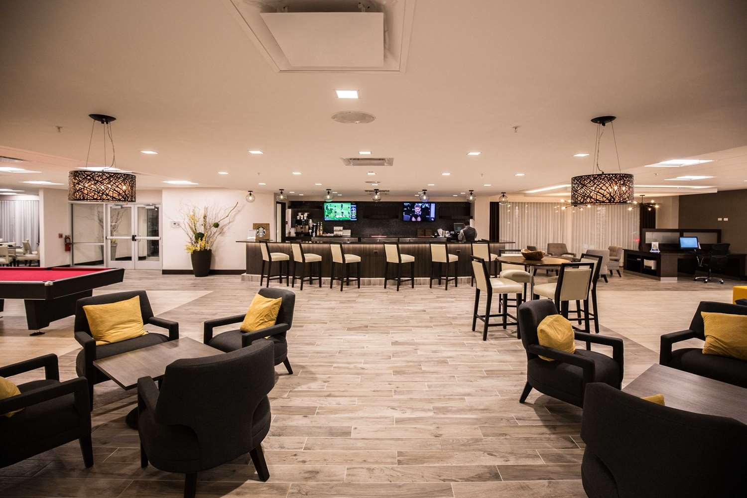 Bar - Wyndham Hotel O'Hare Airport Des Plaines