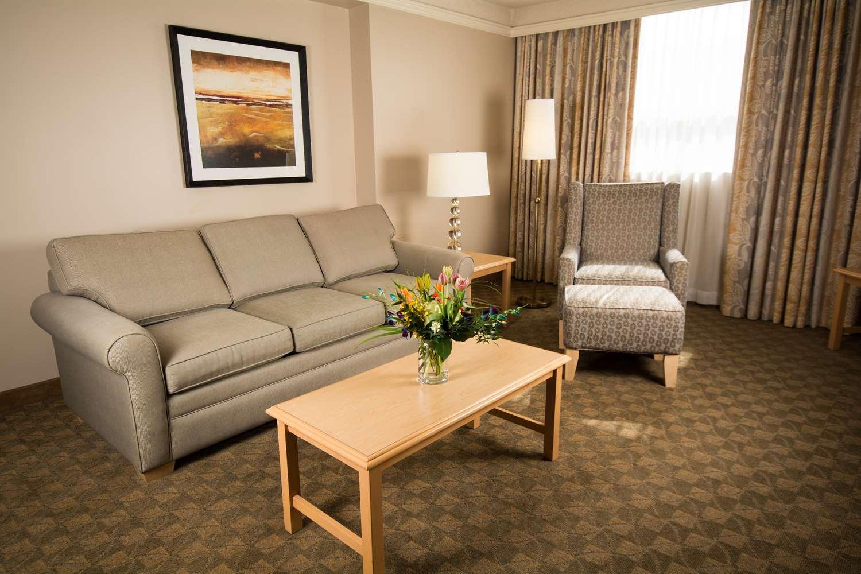 Suite - Edmonton Inn & Conference Centre