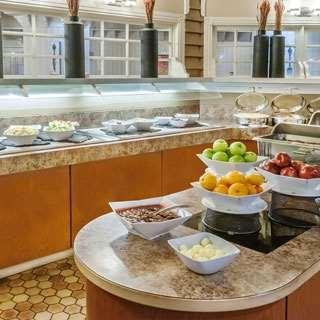 Restaurant - Edmonton Inn & Conference Centre