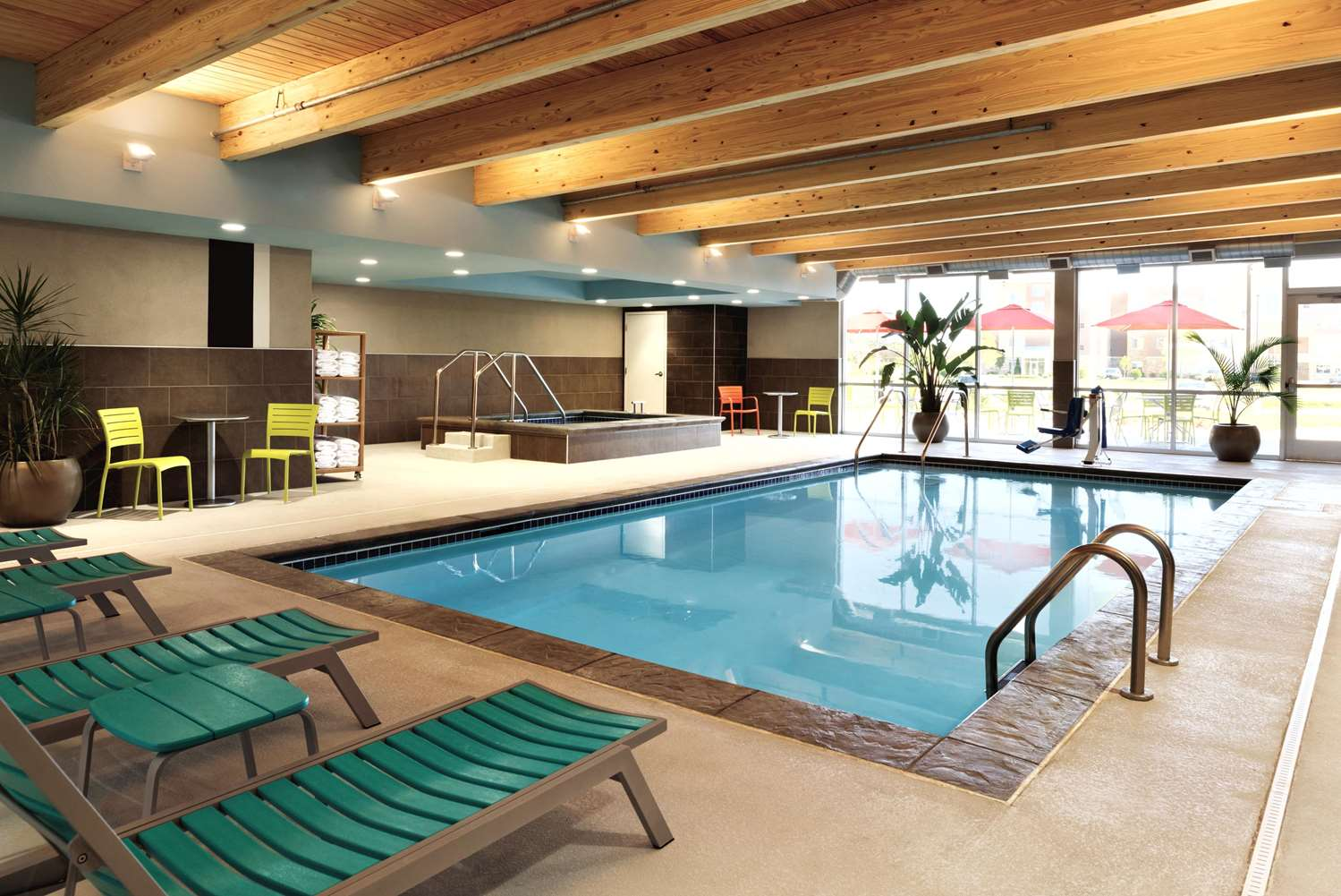 Pool - Home2 Suites by Hilton Coralville