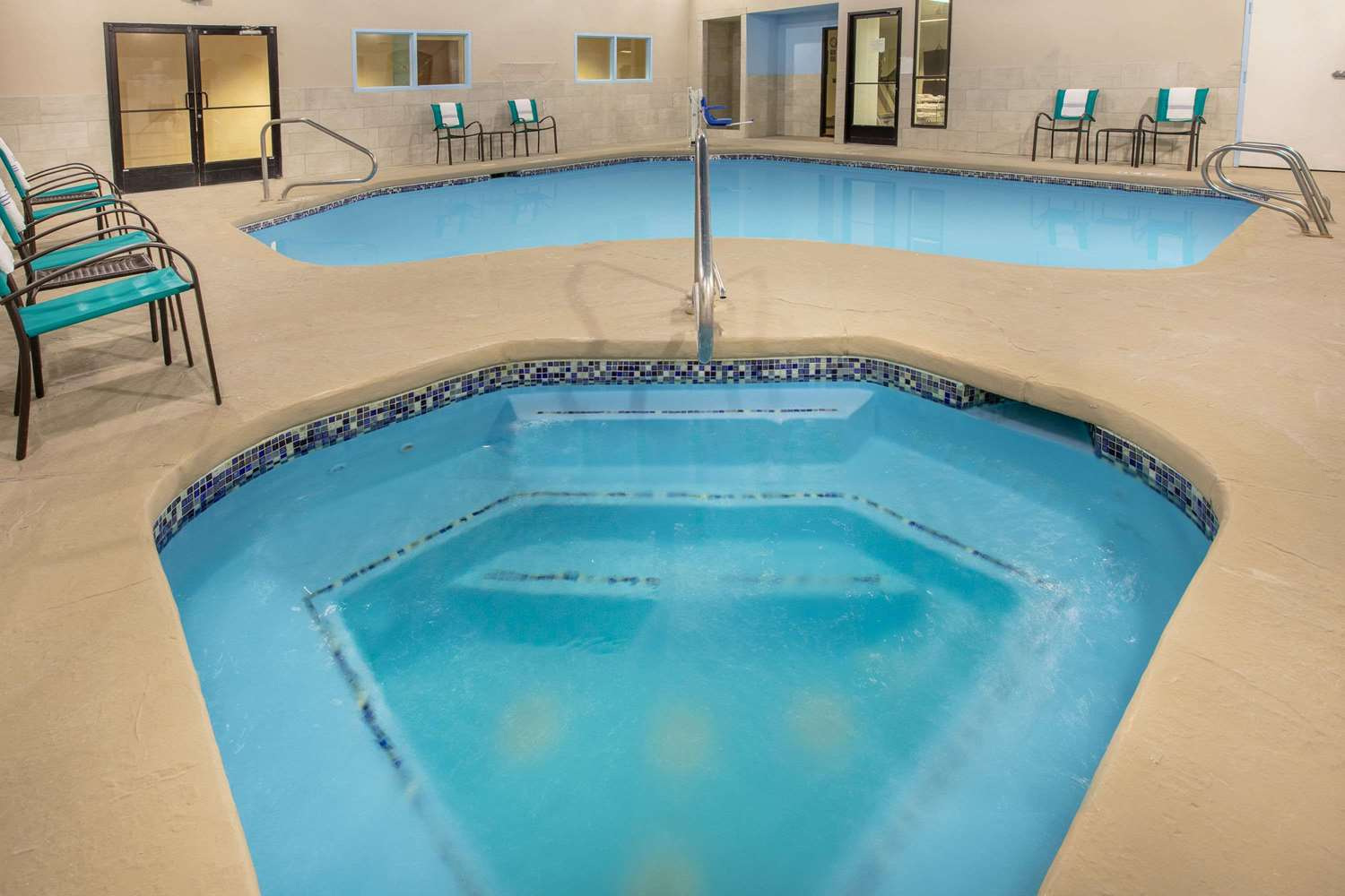 Pool - Baymont Inn & Suites Roswell