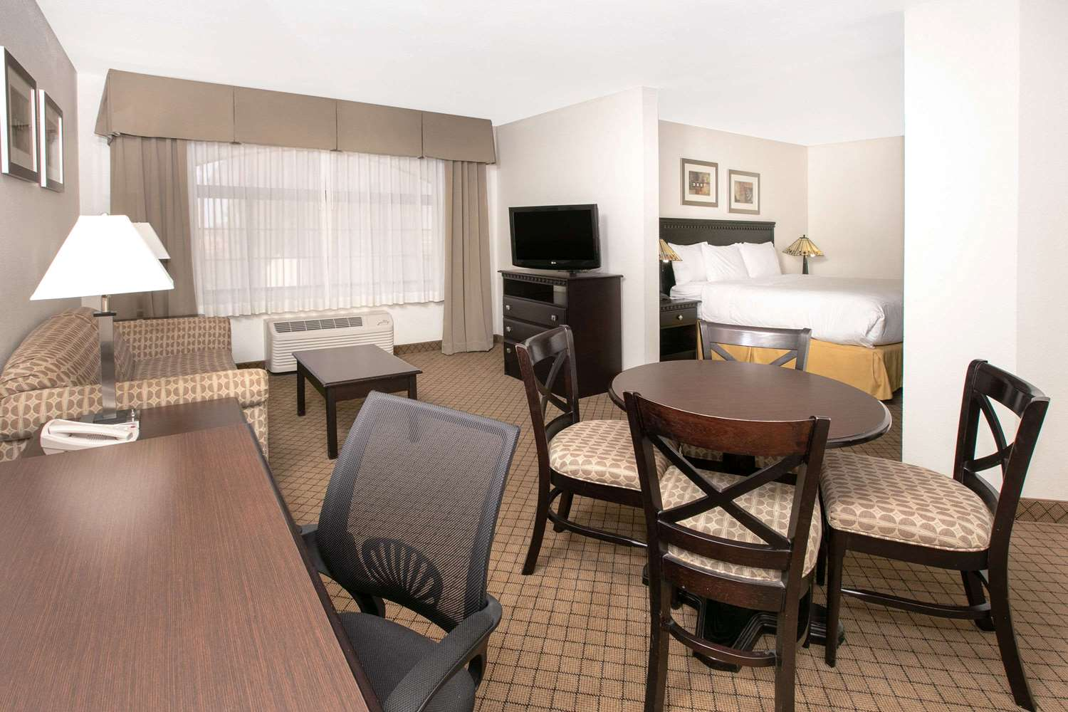 Suite - Baymont Inn & Suites Roswell