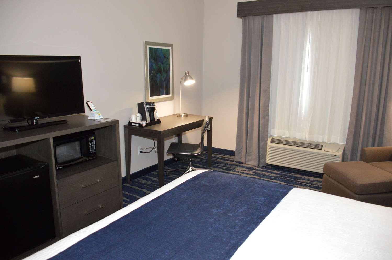Room - Best Western Plus South Longview Hotel