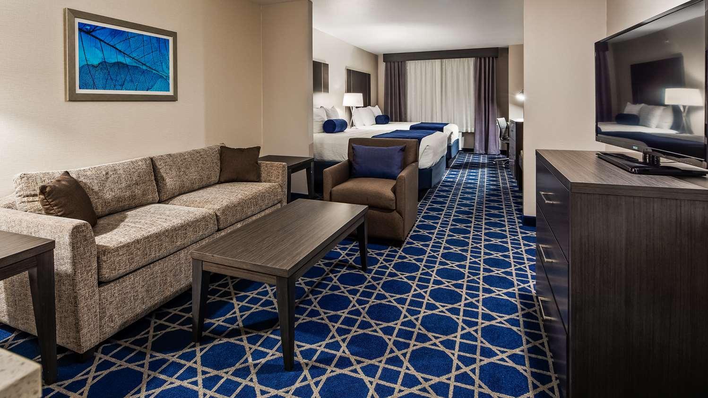 Suite - Best Western Plus South Longview Hotel