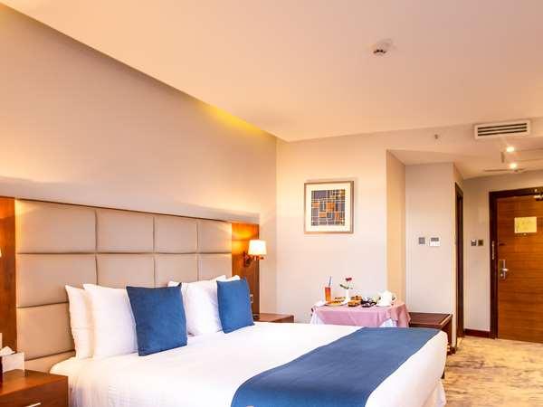 Hotel GOLDEN TULIP CANAAN KAMPALA - Superior Room - King Bed Balcony