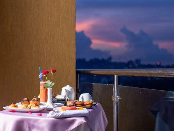 Hotel GOLDEN TULIP CANAAN KAMPALA - Suite - Balcony