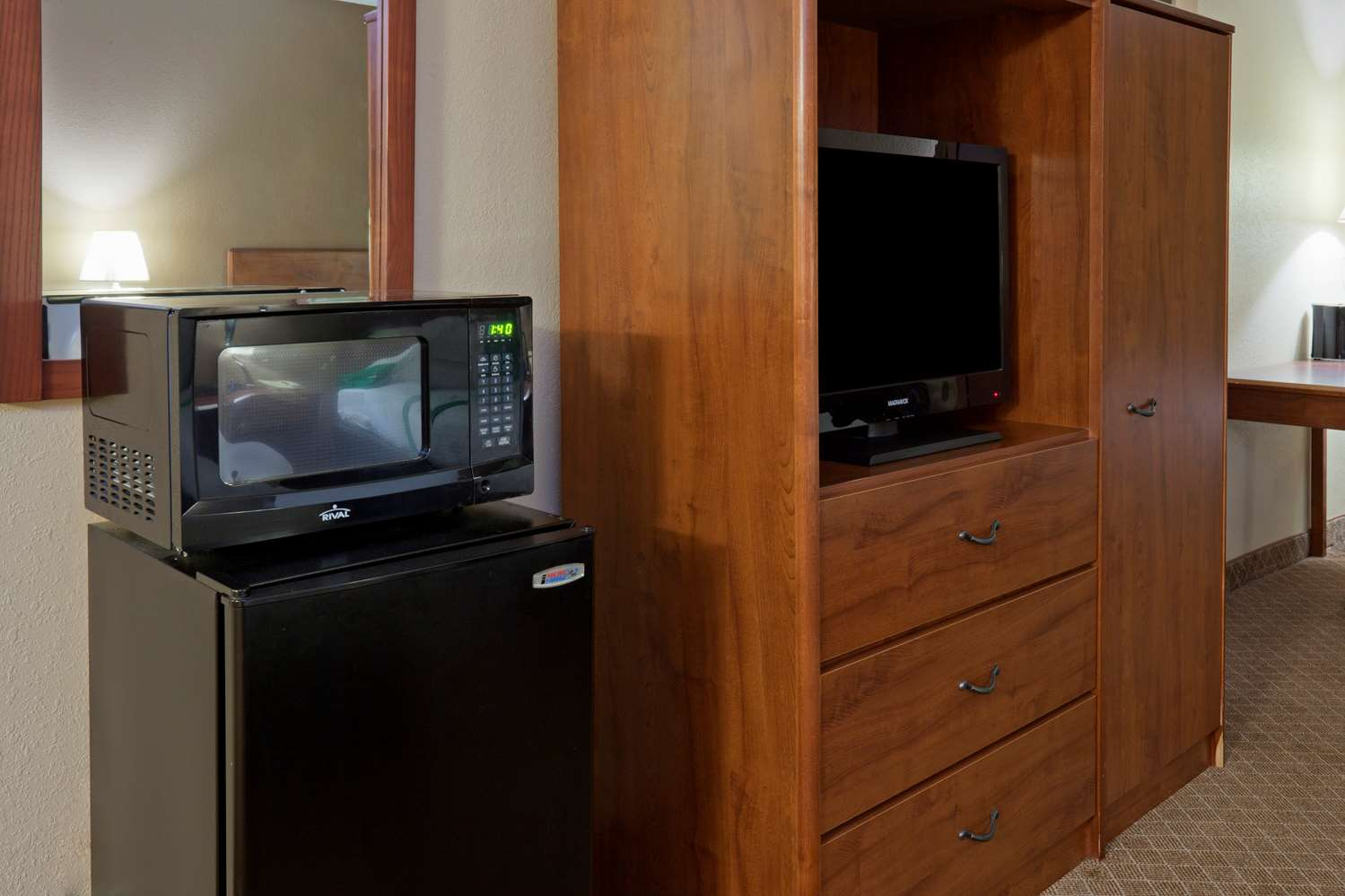 Room - GuestHouse Inn Rochester