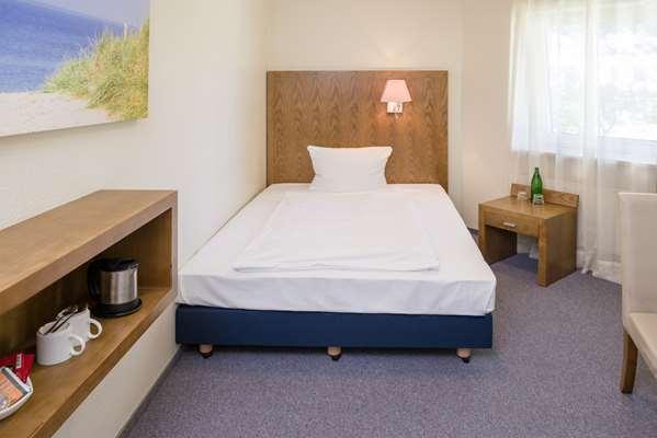 0 star hotel HOTEL KOENIGSTEIN KIEL BY TULIP INN