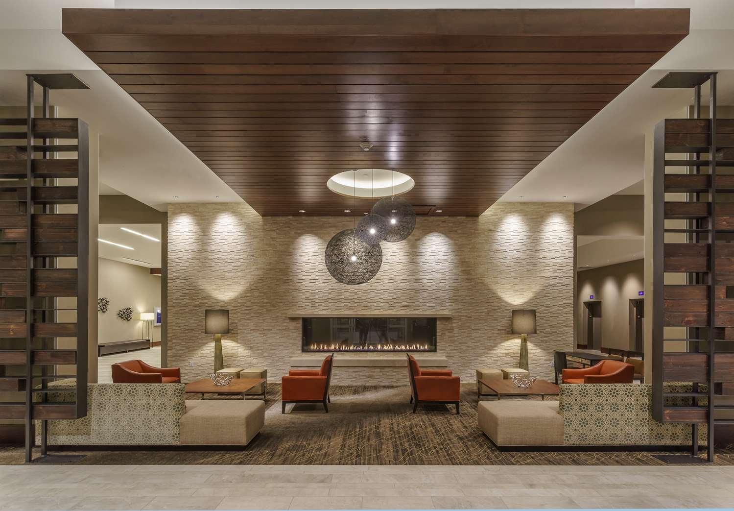 Lobby - Hyatt Regency Hotel Conference Center Aurora
