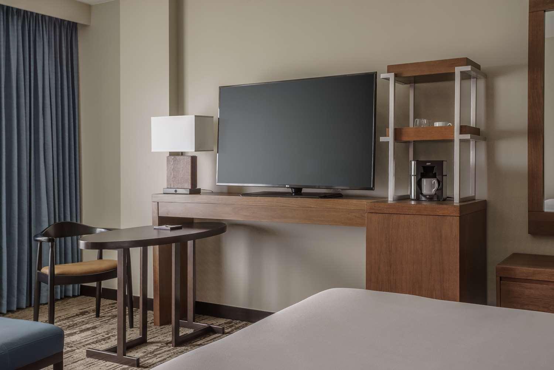 Room - Hyatt Regency Hotel Conference Center Aurora