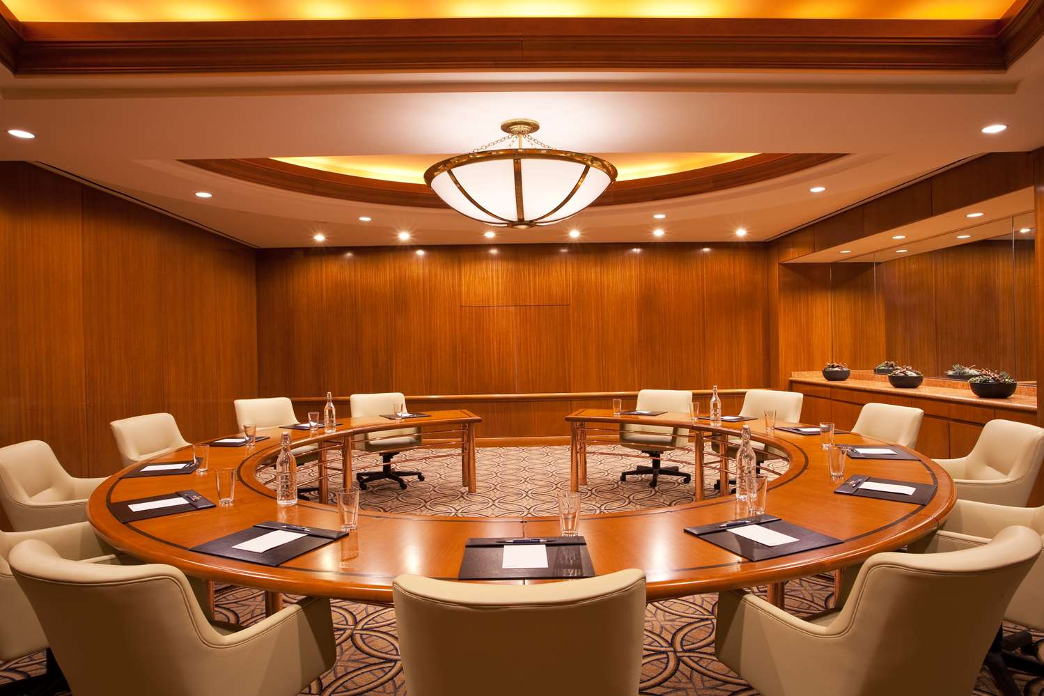 Lincoln Boardroom