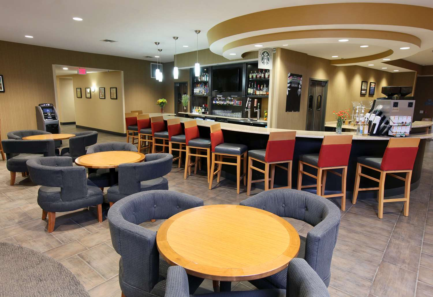 Bar - DoubleTree by Hilton Hotel West Fargo