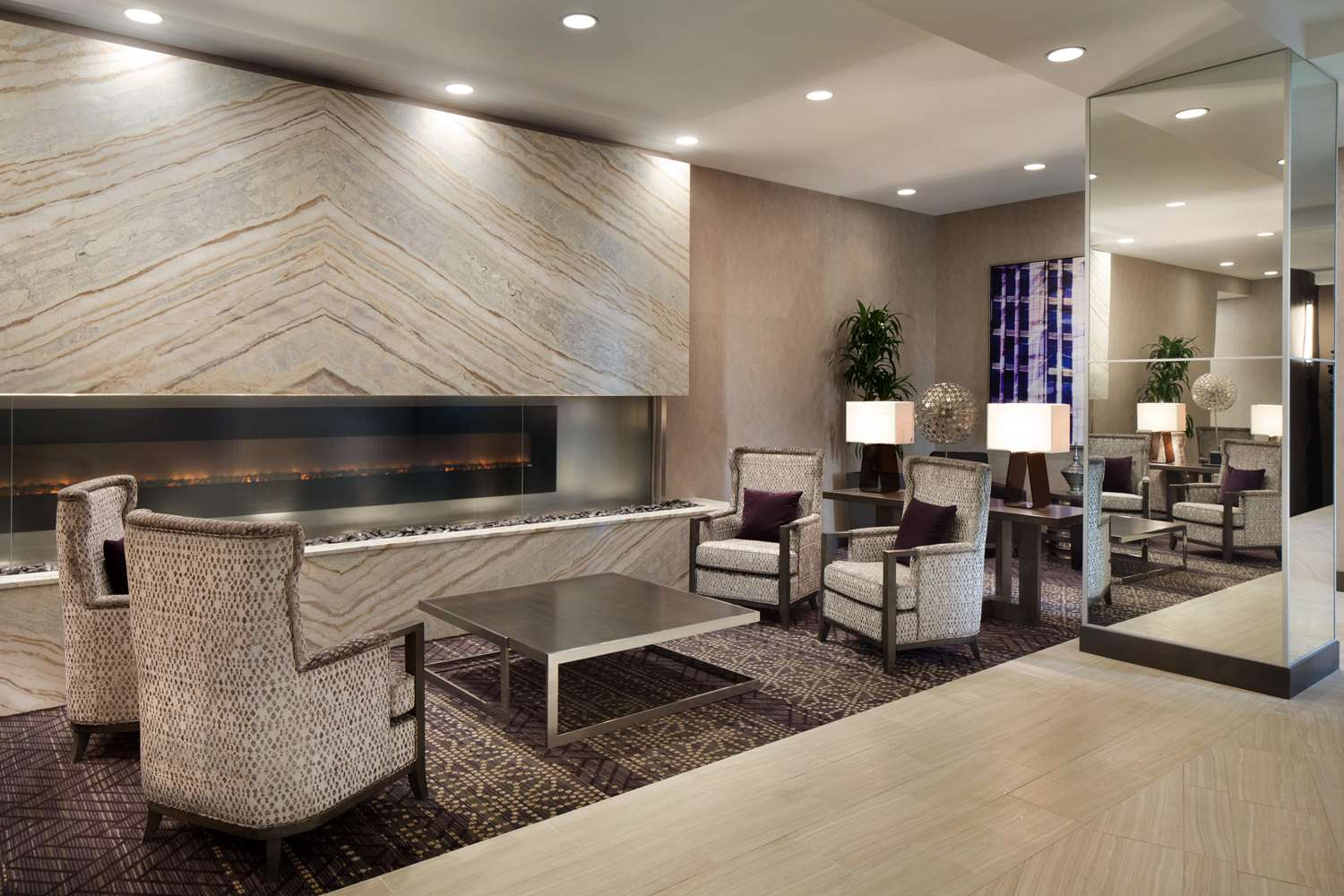 Lobby - Embassy Suites Uptown Charlotte