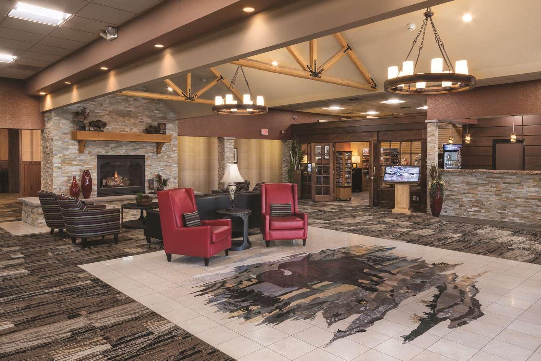 Lobby - Best Western Ramkota Inn Rapid City
