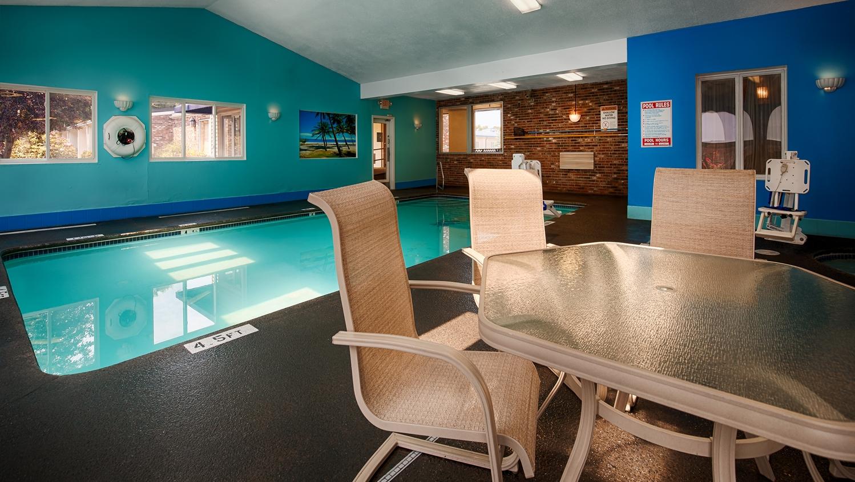Pool - Best Western Merrimack Valley Hotel Haverhill