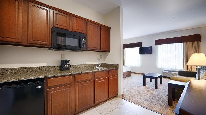 Room - Best Western Plus Valdosta Hotel & Suites
