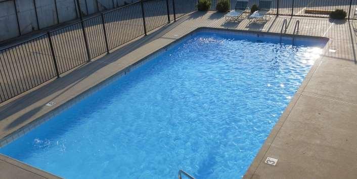 Pool - Guesthouse Inn St Joseph