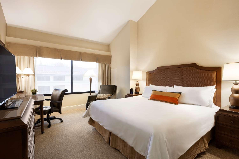 Room - Ridge Hotel Basking Ridge