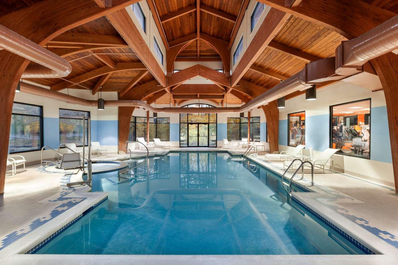 Pool - Ridge Hotel Basking Ridge
