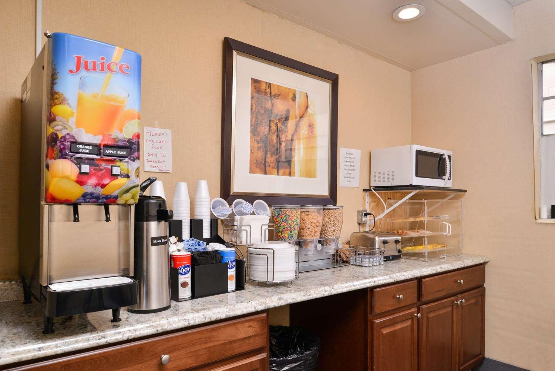 Restaurant - Americas Best Value Inn Augusta