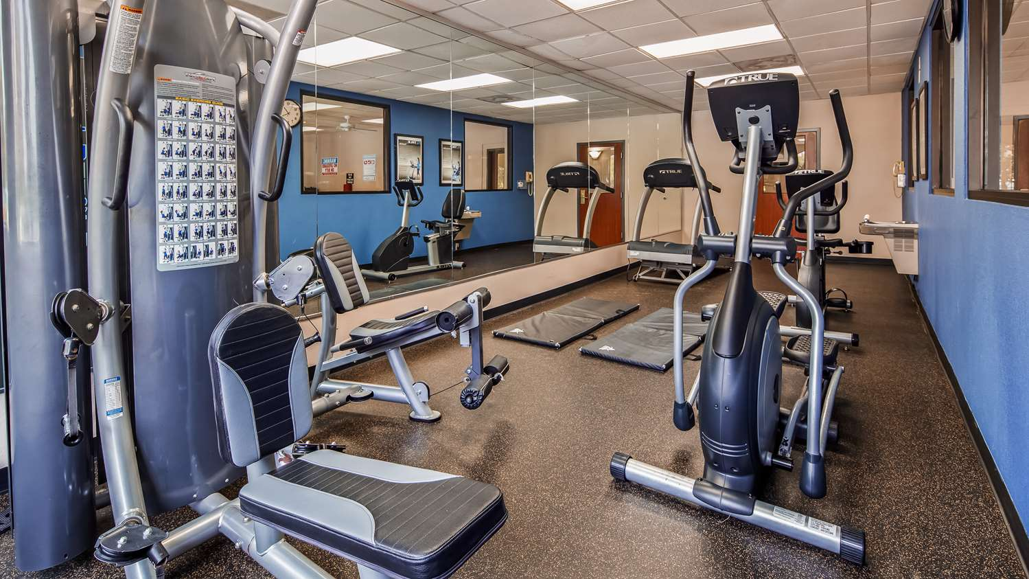 Fitness/ Exercise Room - Surestay Plus Hotel by Best Western Houston Medical Center