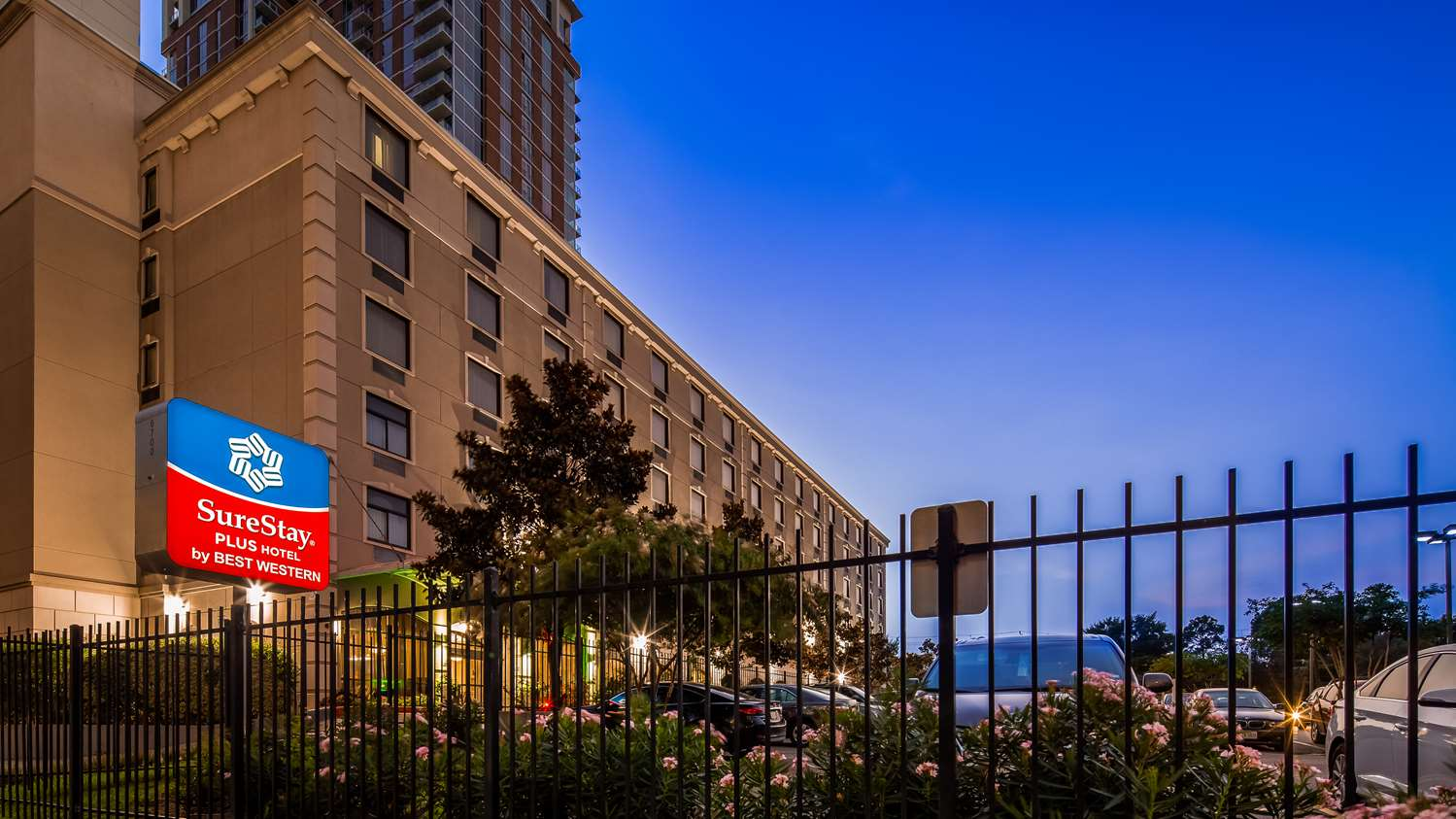 Exterior view - Surestay Plus Hotel by Best Western Houston Medical Center