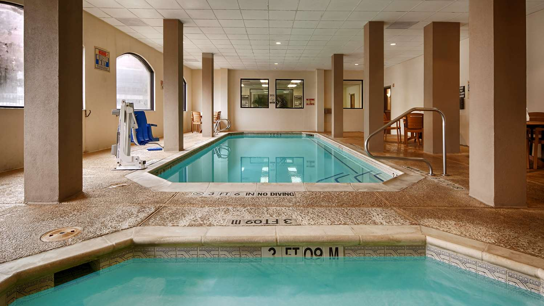 Pool - Surestay Plus Hotel by Best Western Houston Medical Center