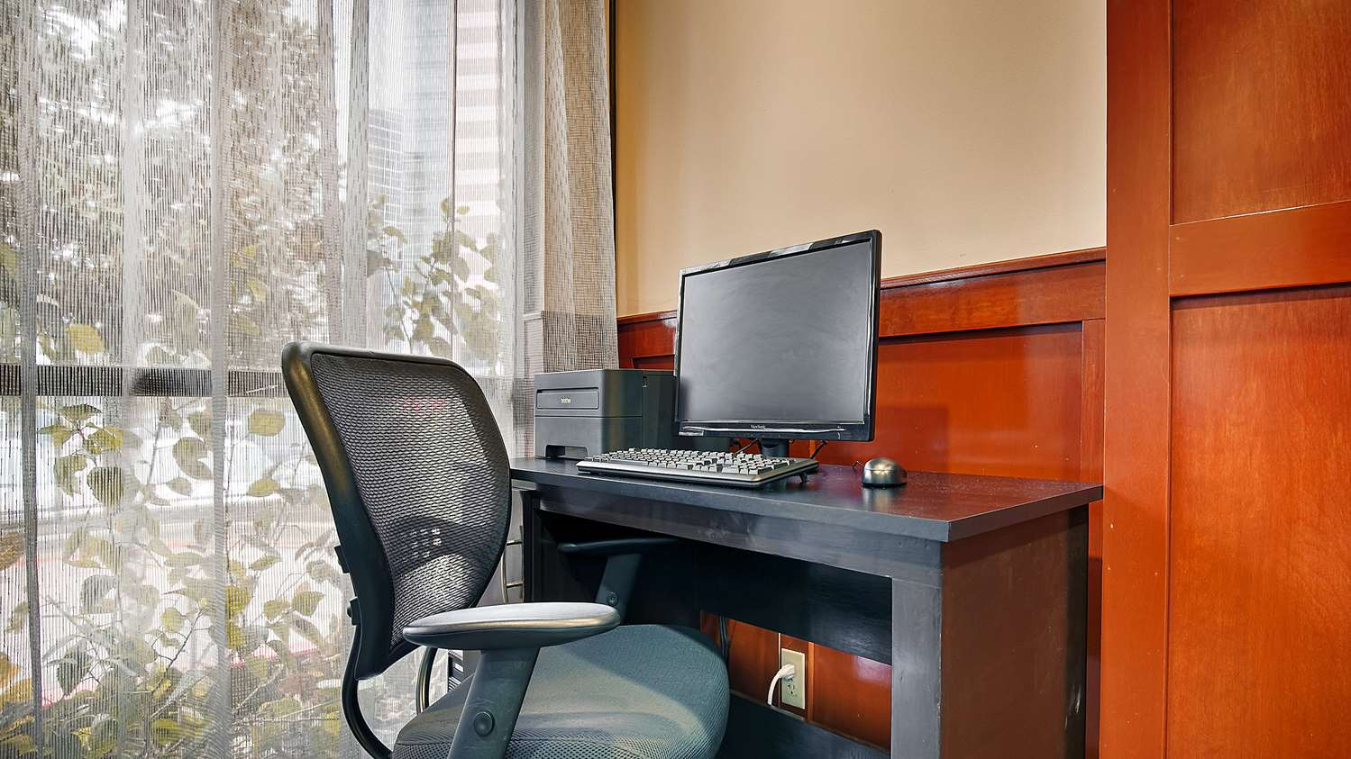 Conference Area - Surestay Plus Hotel by Best Western Houston Medical Center