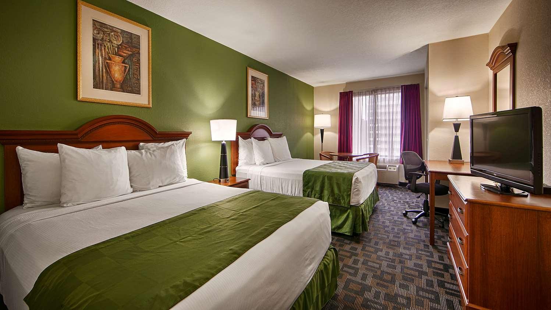 Room - Surestay Plus Hotel by Best Western Houston Medical Center