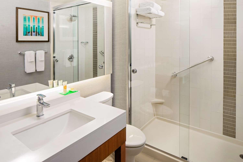 Room - Hyatt Place Hotel Glendale