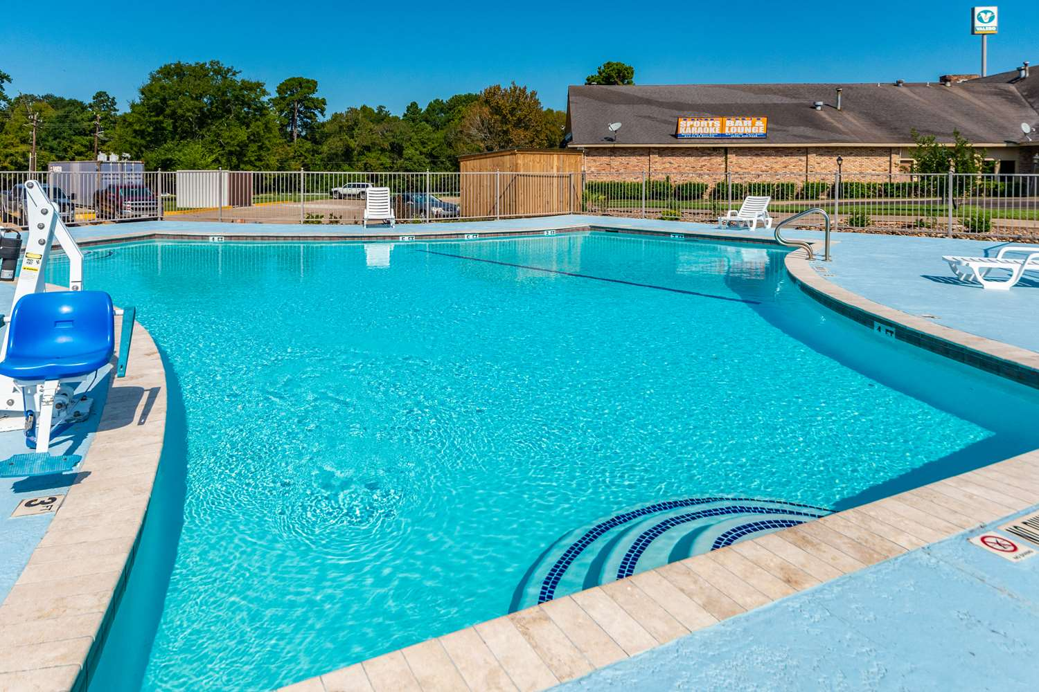 Pool - Studio 6 Extended Stay Hotel Huntsville