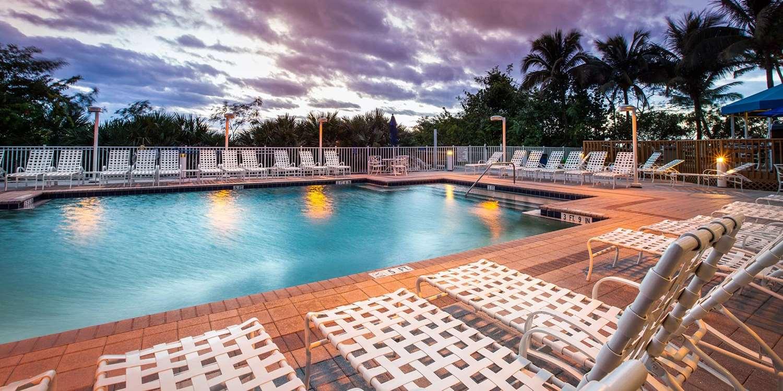 Pool - Gull Wing Beach Resort Fort Myers Beach