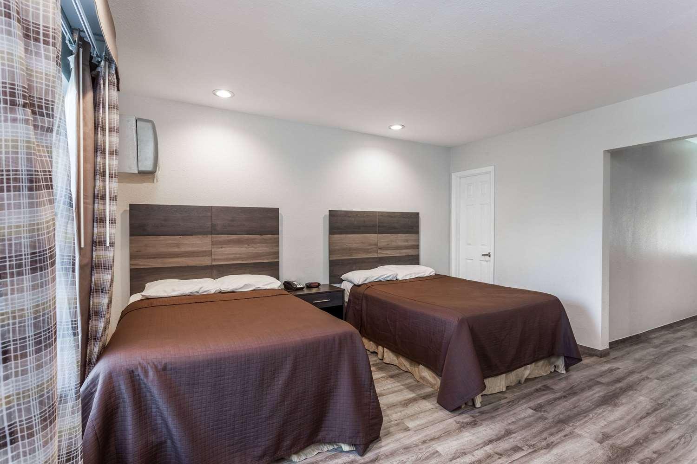 Room - Travelodge Rosemead