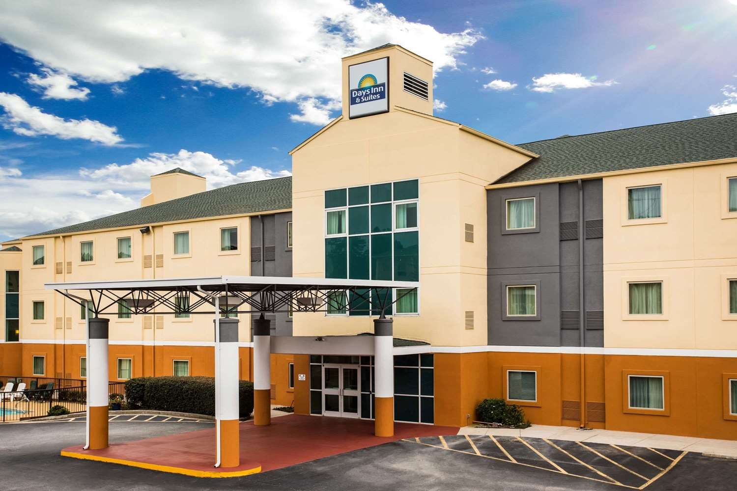Exterior view - Days Inn & Suites Grovetown