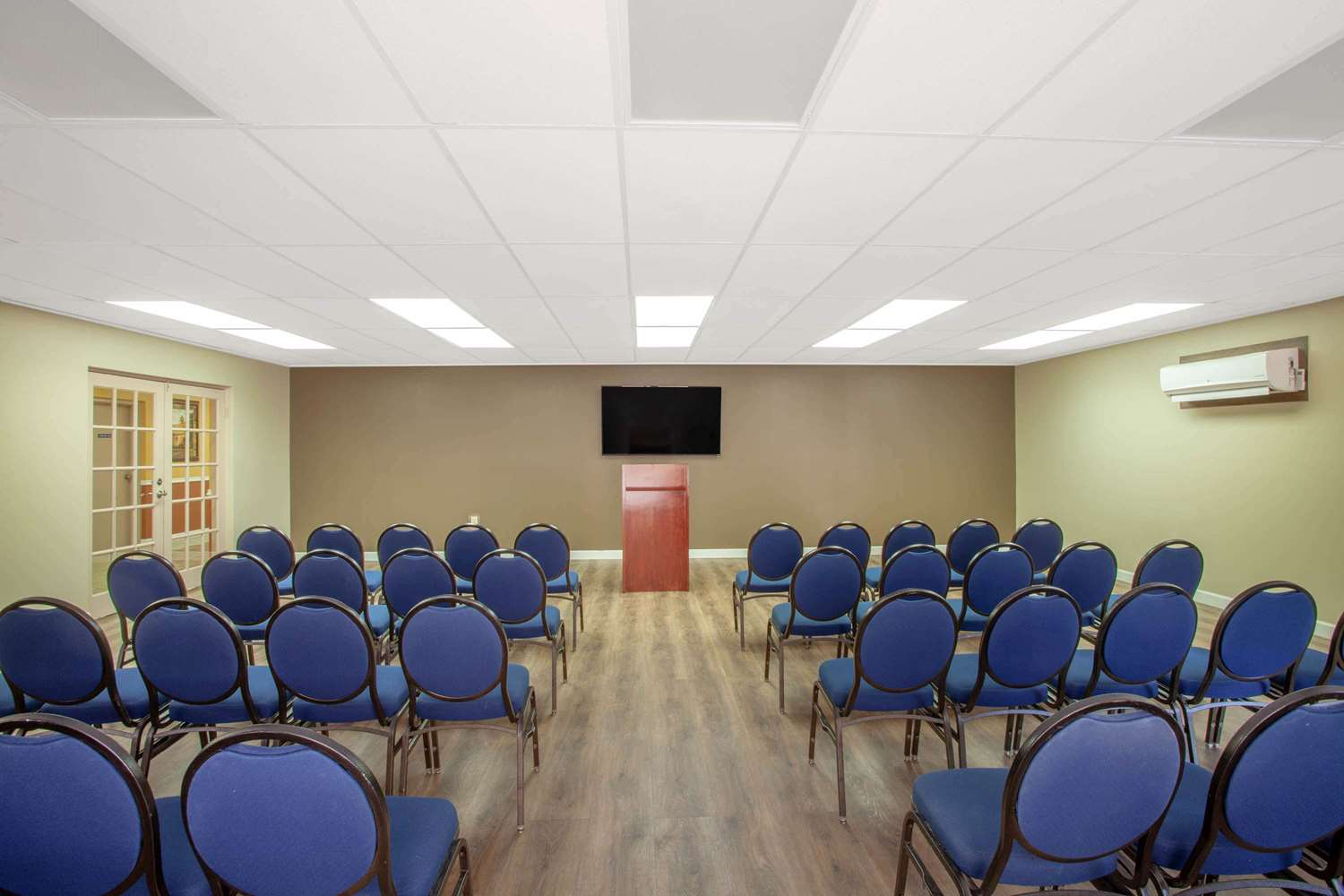 Meeting Facilities - Travelodge East Kissimmee