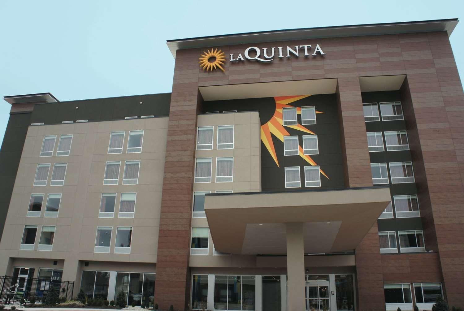 Exterior view - La Quinta Inn & Suites Airport Oklahoma City