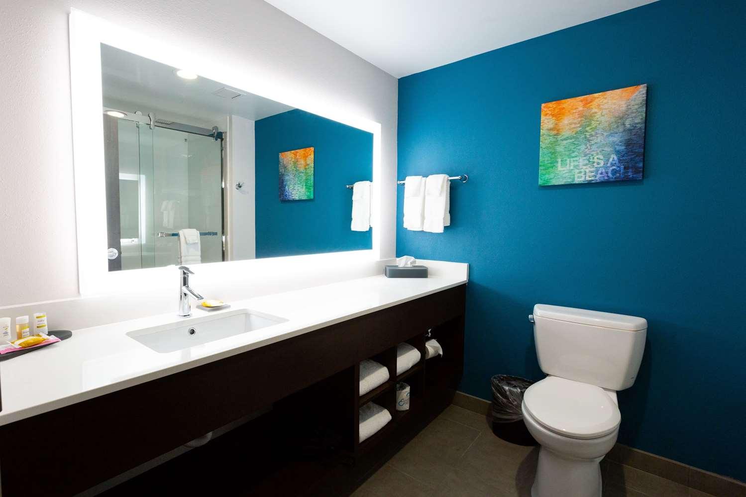 Room - La Quinta Inn & Suites Airport Oklahoma City