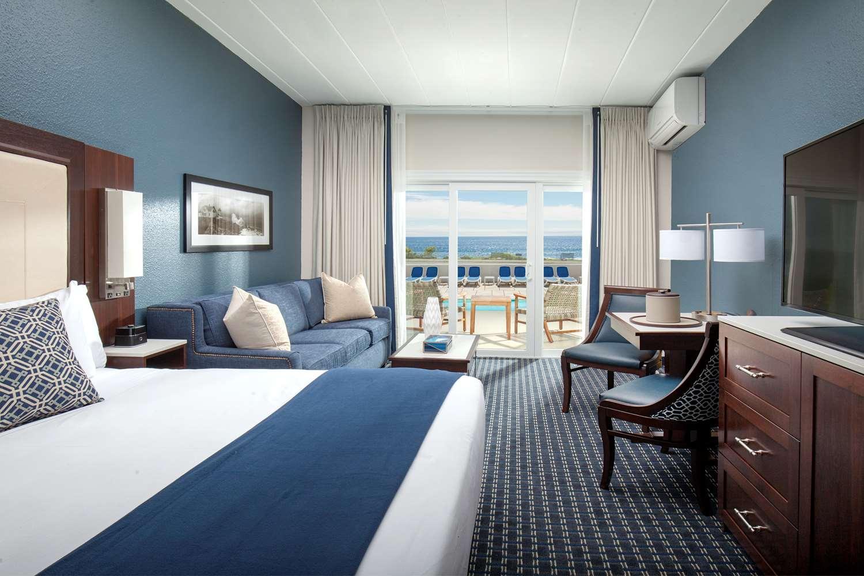 Room - Bass Rocks Ocean Inn Gloucester