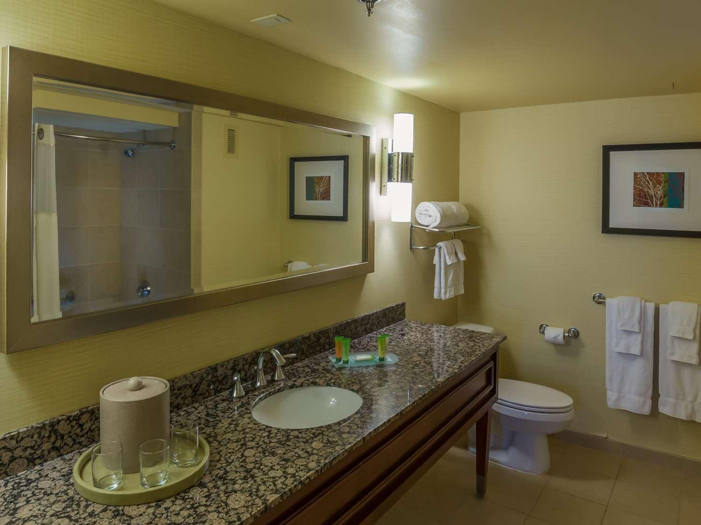 Suite - Aquarius Casino Resort Laughlin
