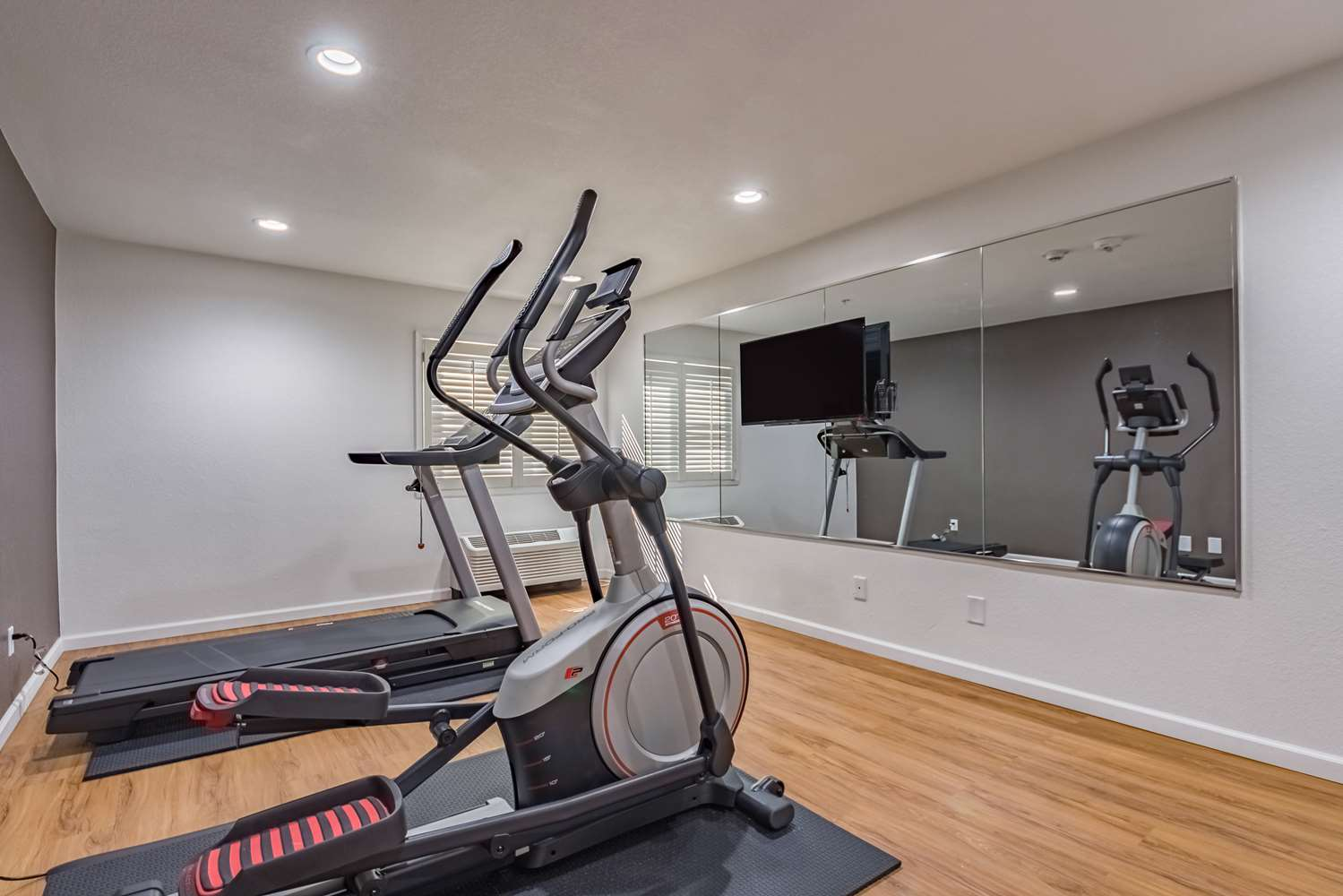 Fitness/ Exercise Room - Studio 6 Extended Stay Hotel Plano