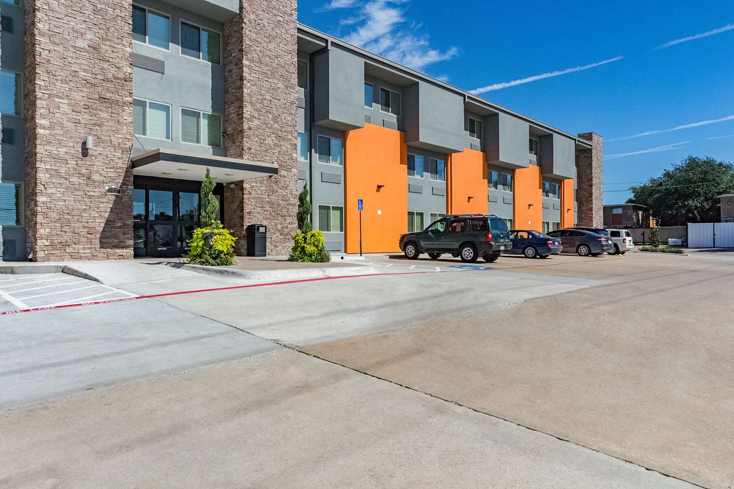 Exterior view - Studio 6 Extended Stay Hotel Plano