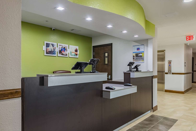Lobby - Studio 6 Extended Stay Hotel Plano