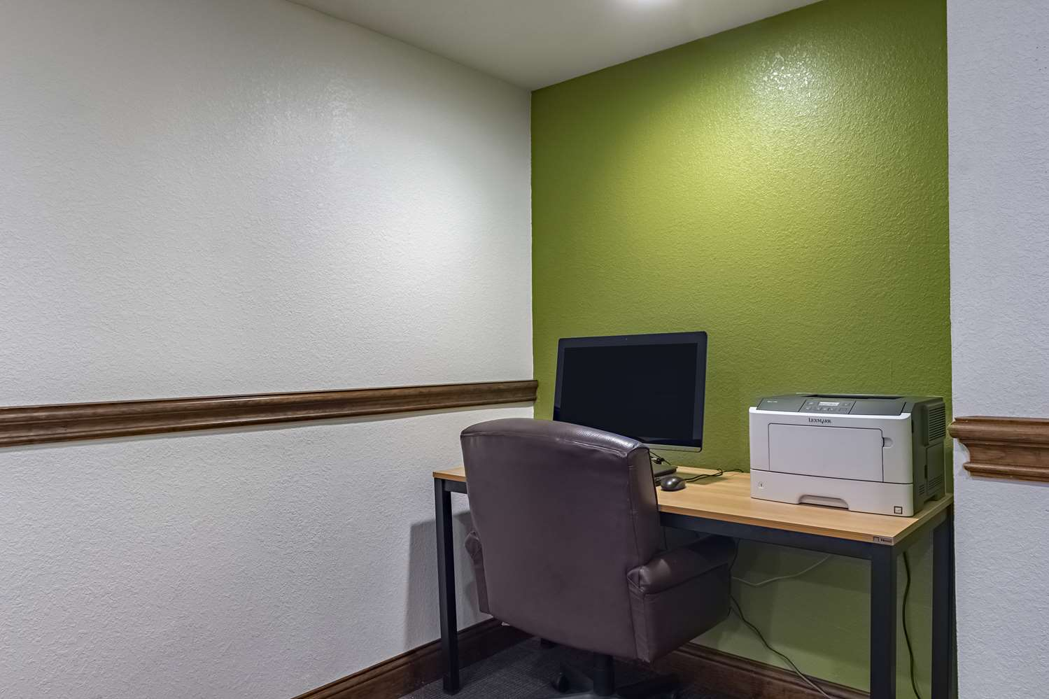 Conference Area - Studio 6 Extended Stay Hotel Plano