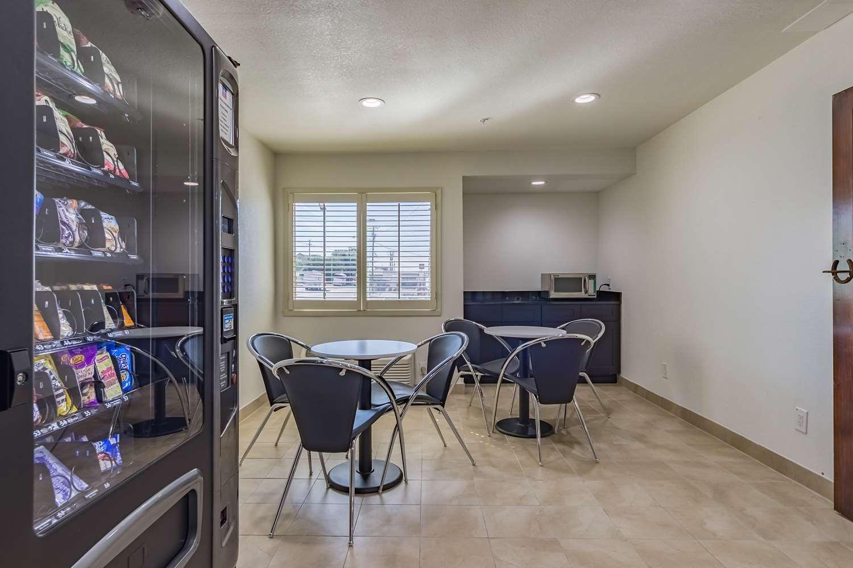 proam - Studio 6 Extended Stay Hotel Plano
