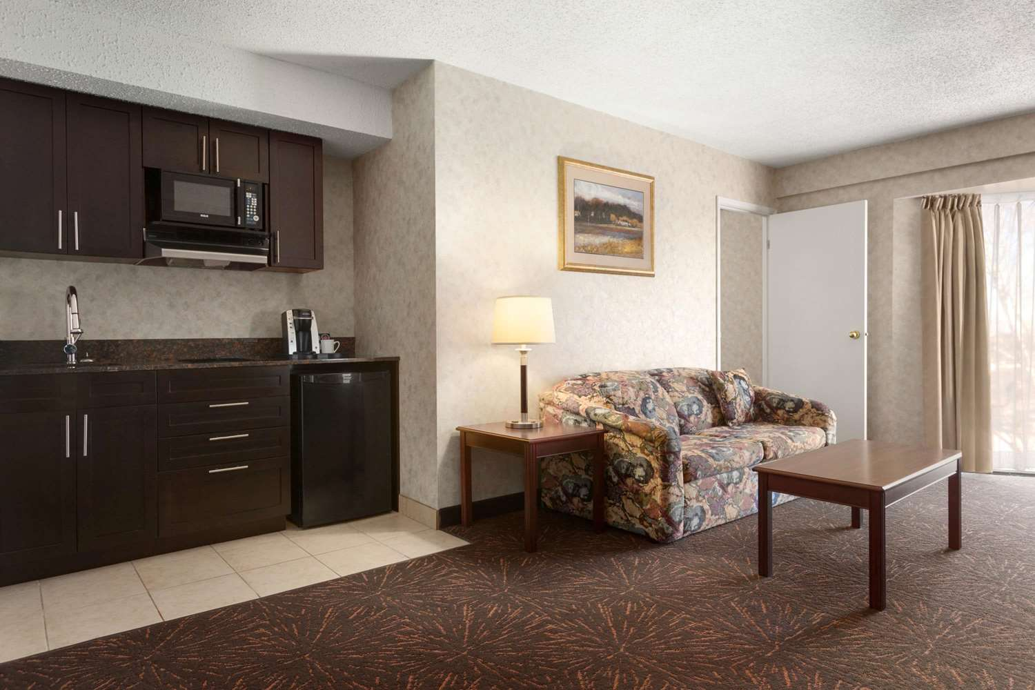 Suite - Travelodge Lloydminster