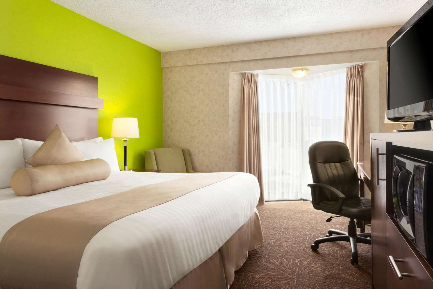 Room - Travelodge Lloydminster