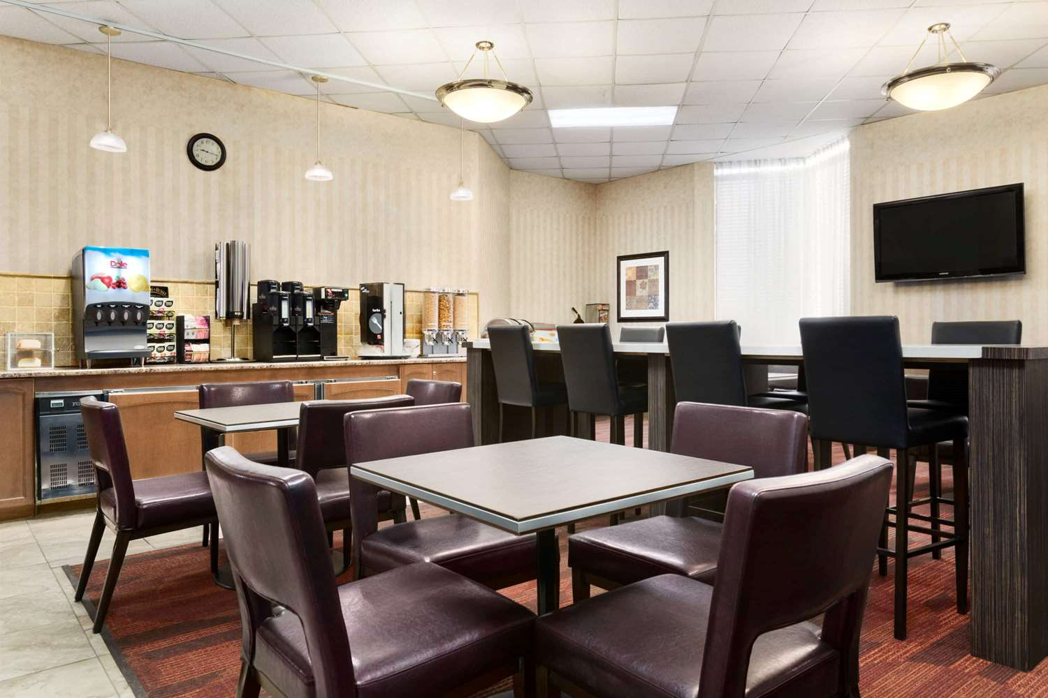 Restaurant - Travelodge Lloydminster