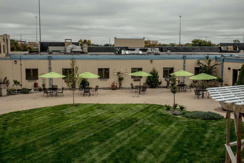 Exterior view - Baymont Inn & Suites Fargo