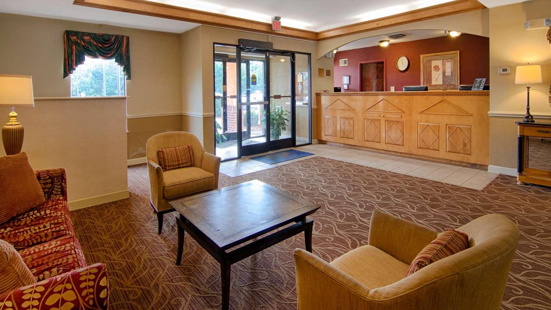 Lobby - SureStay Plus Hotel by Best Western Tarboro