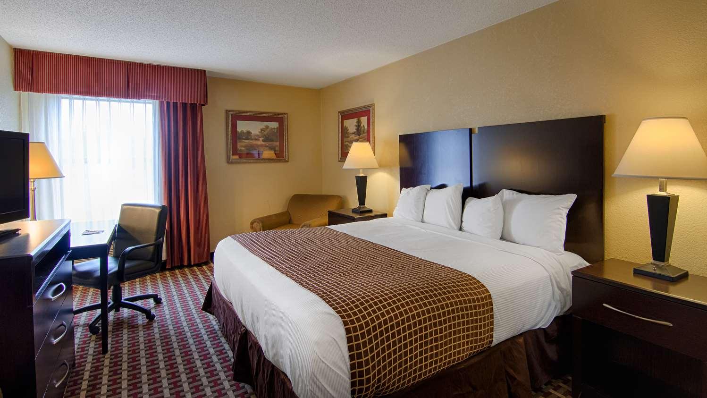 Room - SureStay Plus Hotel by Best Western Tarboro